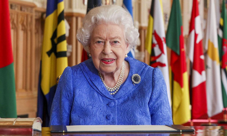 Isabel II celebra la Commonwealth por televisión horas antes de la entrevista de los Sussex