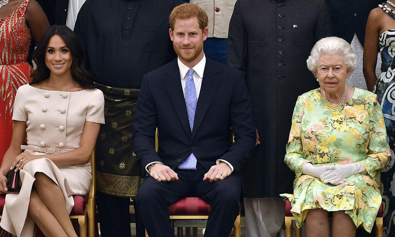 Isabel II responde a la explosiva entrevista de Harry y Meghan: 'La familia está apenada'