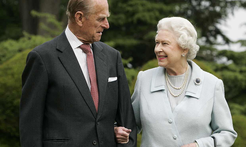Isabel II se queda sin su gran apoyo en un momento muy delicado de la Familia Real británica