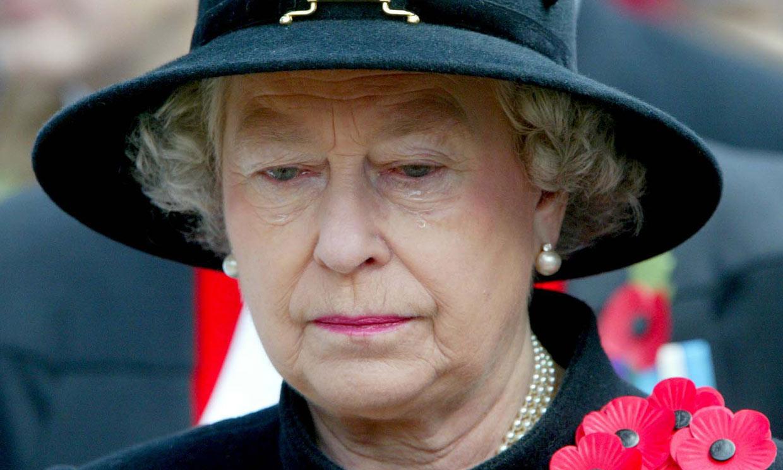 Los pocos momentos en que Isabel II se ha emocionado en público