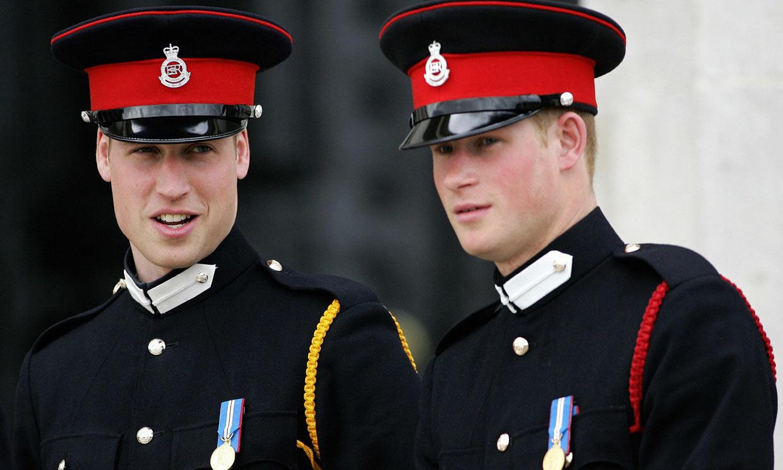 El motivo por el que los 'royals' no llevarán uniforme militar en el funeral del duque de Edimburgo (y tiene que ver con Harry)