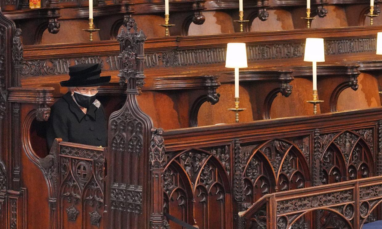 La soledad de Isabel II al despedir al hombre de su vida