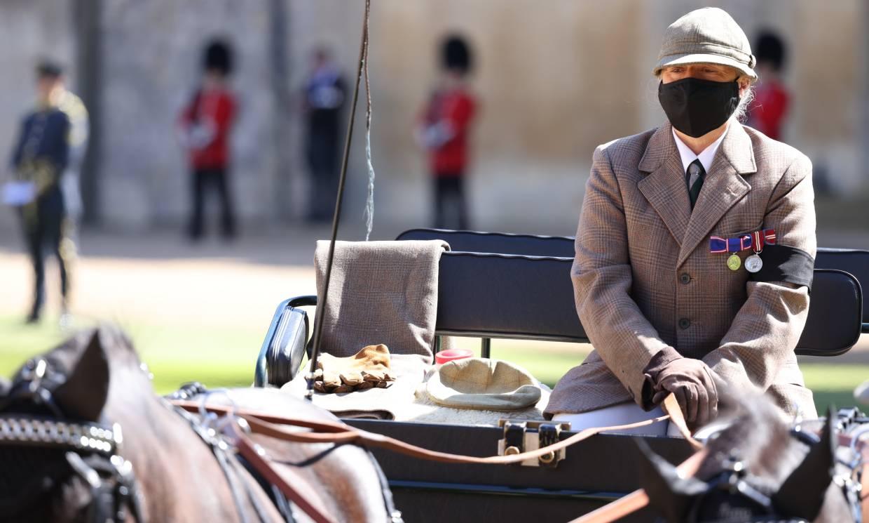 El carruaje con los guantes, la gorra y la manta de Felipe de Edimburgo, protagonistas destacados en su despedida