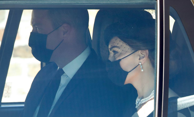 Las primeras imágenes de la Familia Real británica llegando a Windsor para el funeral