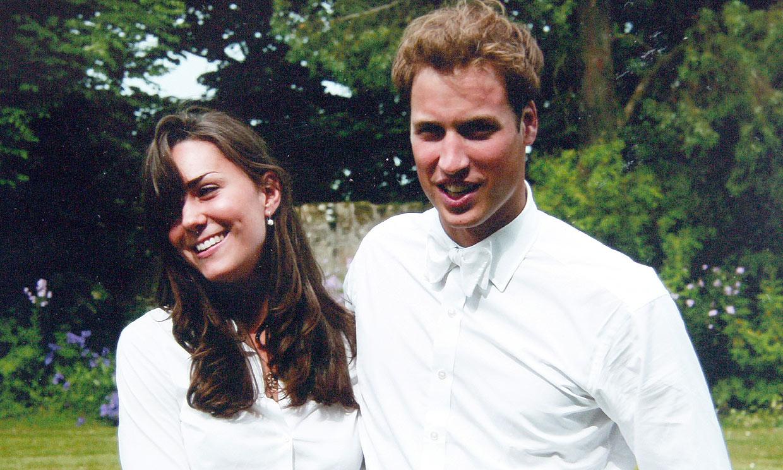 La pose favorita de los duques de Cambridge, imperturbable al paso del tiempo