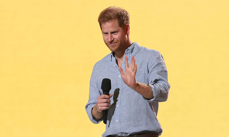 El príncipe Harry reaparece tras ser padre por segunda vez desde su casa y de baja por paternidad