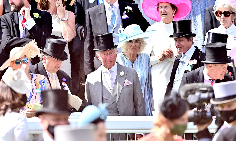 Ascot vuelve a brillar, pero sin Isabel II: el desfile de 'royals' en las carreras