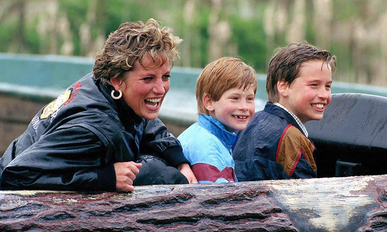 Diversión, abrazos y travesuras: así recuerdan los príncipes Harry y Guillermo a su madre
