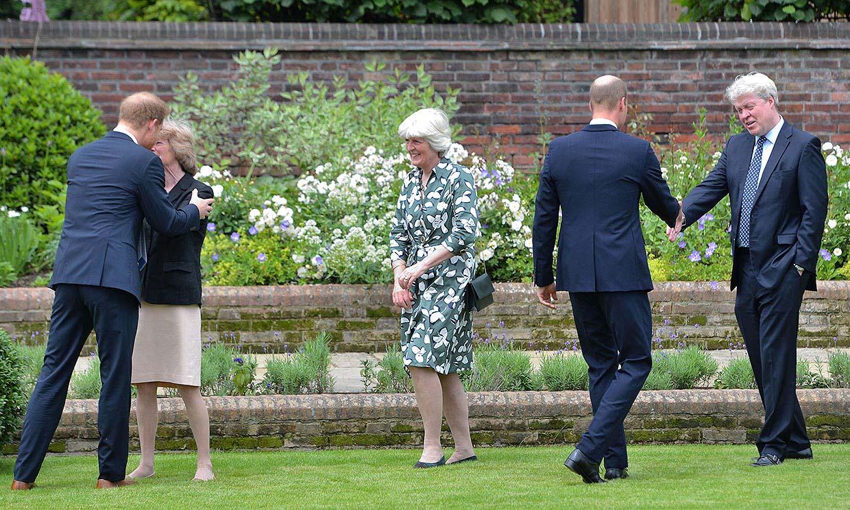 Los doce invitados que han acompañado a Harry y Guillermo para inaugurar la estatua de Diana