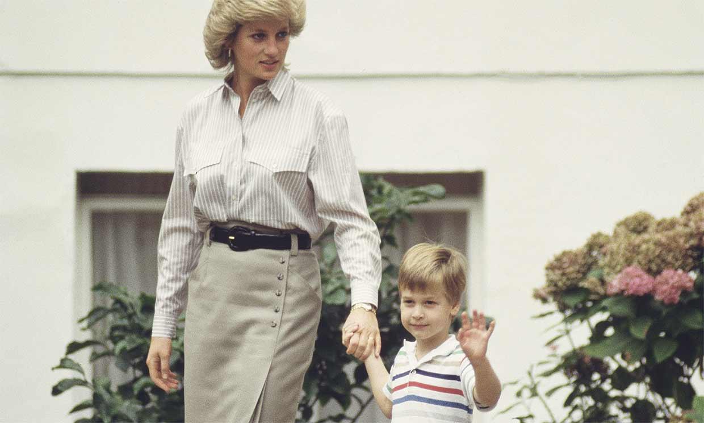 ¿Son estos los 'looks' de Diana de Gales en los que se inspira su estatua?