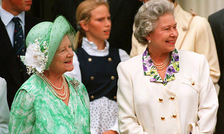 La emotiva historia (desconocida hasta ahora) que une a la madre de Isabel II y a Julio Iglesias