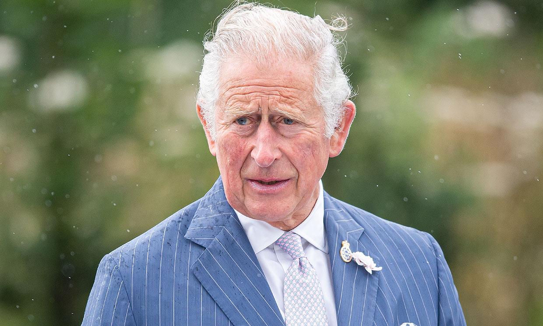El príncipe Carlos se desvincula del escándalo que salpica a su fundación