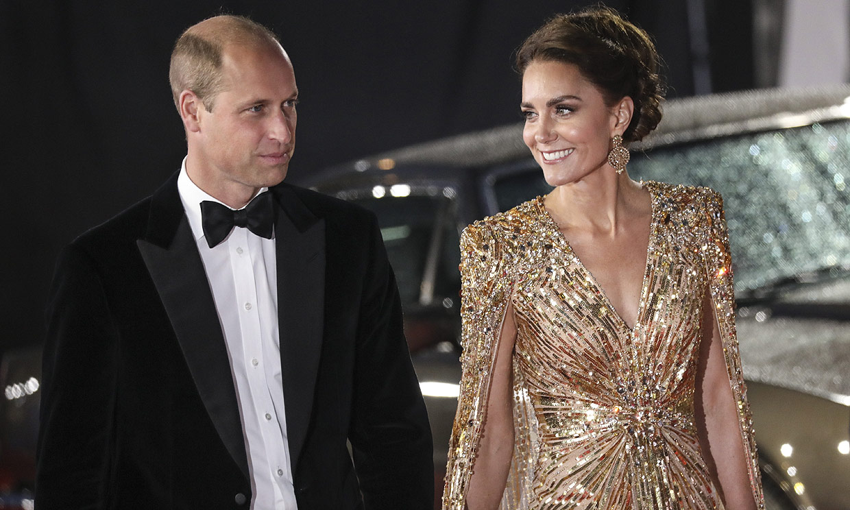 ¡Como estrellas de Hollywood! Los duques de Cambridge acuden al estreno de James Bond en Londres