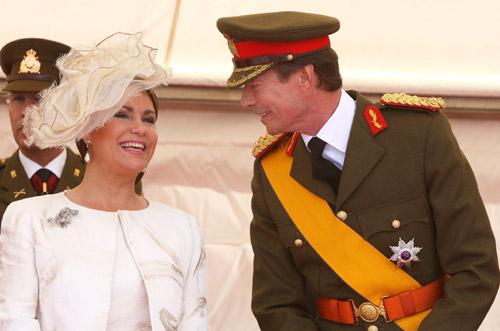 El gran duque Enrique concede títulos reales a su nuera, Tessy, la esposa del príncipe Luis, y a sus nietos