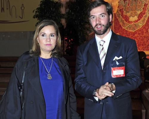 La Gran Duquesa de Luxemburgo preside en Barcelona el Encuentro Internacional por la Paz, acompañada por su hijo Guillermo