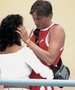 Estefanía de Mónaco, fotografiada en romántica actitud con un joven 'croupier' llamado Frank