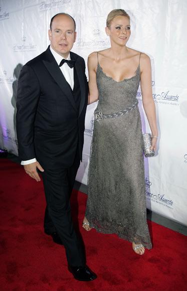 Charlene Wittstock evoca la belleza de la princesa Grace al acompañar a Alberto de Mónaco a una gala en Nueva York