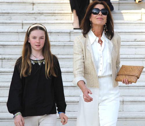 Carolina de Mónaco enseña a su hija Alejandra el mundo de la moda