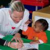 Charlene comienza su nueva vida como princesa de Mónaco visitando una escuela infantil en Sudáfrica