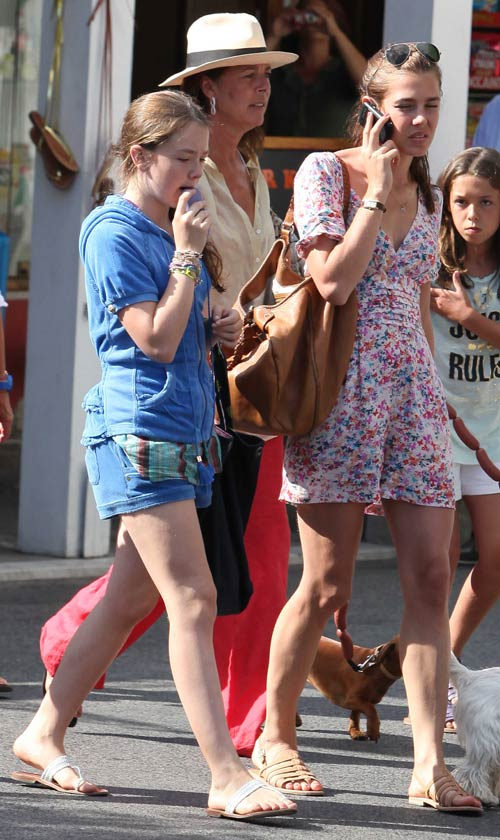 Carolina de Mónaco y su hija Alejandra supieron en Capri que Ernesto había sido hospitalizado