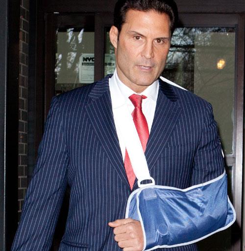 Pierre Casiraghi herido en una pelea de modelos Adam-hock--z