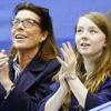 Carolina de Mónaco y la princesa Alejandra, muy unidas en un campeonato de patinaje sobre hielo