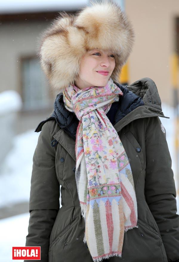 En ¡HOLA!: Beatrice Borromeo y Pierre Casiraghi, una pareja enamorada y con estilo en los Alpes suizos