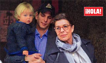 Imágenes exclusivas en ¡HOLA!, la felicidad de Carolina de Mónaco tras conocer a su primera nieta