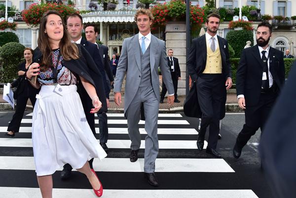 Las lágrimas de las abuelas, los apuros de las damas, un ramo para Bianca Brandolini y los invitados inesperados de la boda de Beatrice y Pierre
