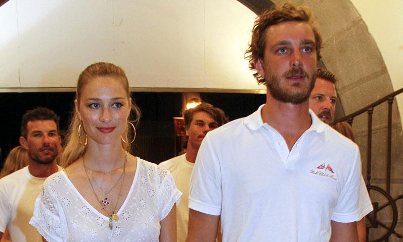 Macarena Gómez y Aldo Comas se unen a Pierre Casiraghi y Beatrice Borromeo en la noche mallorquina