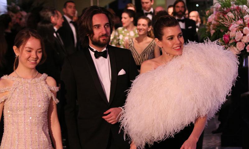 Carlota Casiraghi oficializa su compromiso con Dimitri Rassam en el Baile de la Rosa
