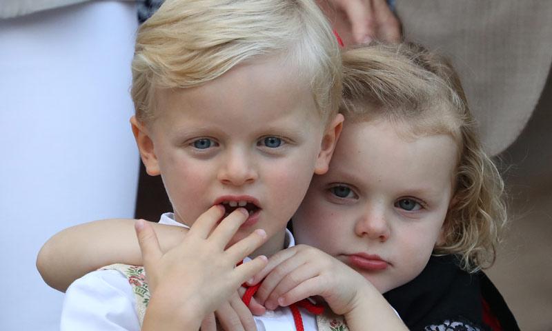 ¡Qué tiernos! Jacques y Gabriella de Mónaco, todo amor durante un picnic