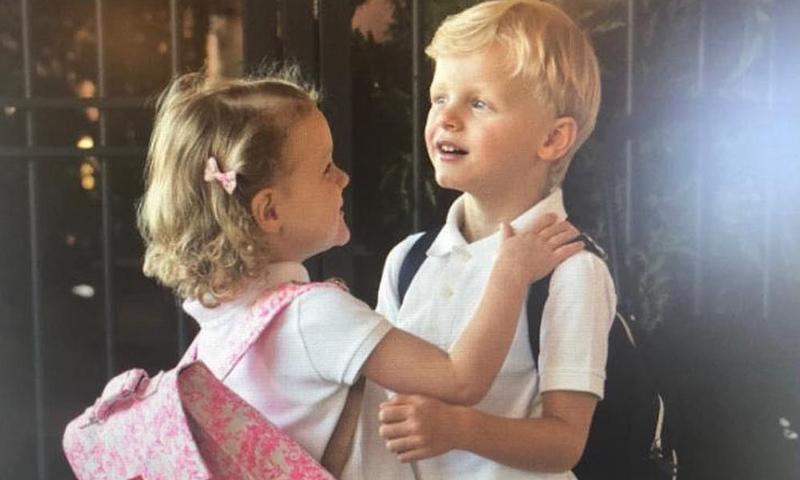 Así ha sido el primer día de clase de Jacques y Gabriella de Mónaco