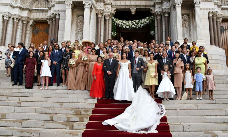 La foto familiar de la boda de Louis Ducruet y Marie Chevallier con los Grimaldi y ¿sin Charlene?