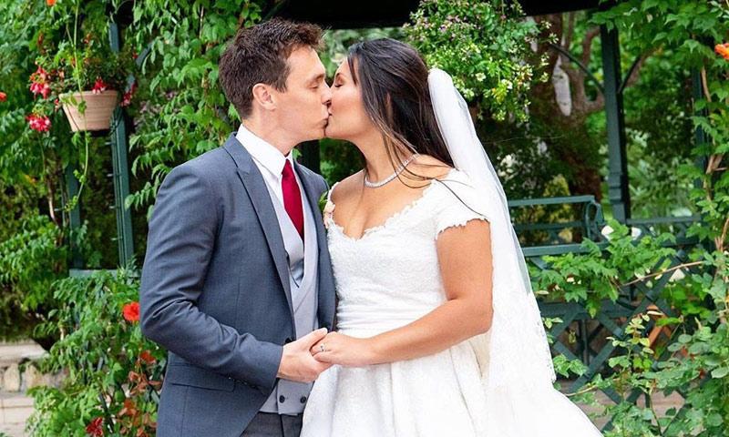 Marie Chevallier y Louis Ducruet celebran su primer mes de casados con nuevas (y divertidas) fotos