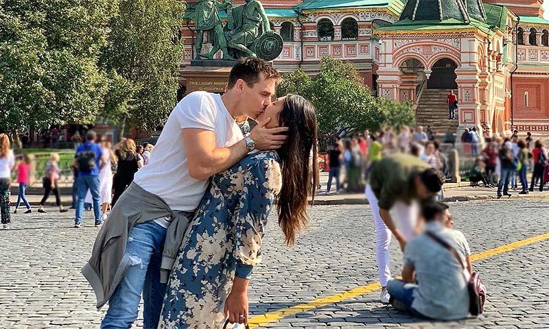 'En Moscú con amor': Louis Ducruet y Marie Chevallier dan rienda suelta a la pasión
