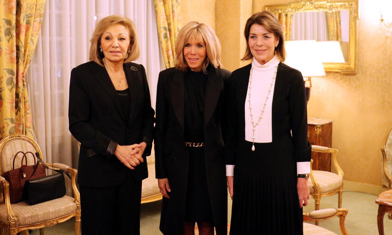 Carolina de Mónaco, Farah Diba y Brigitte Macron, cumbre histórica en París