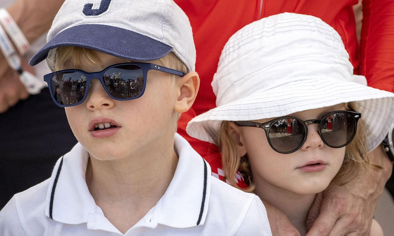 Jacques y Gabriella de Mónaco, los mayores fans de su madre en su gran reto