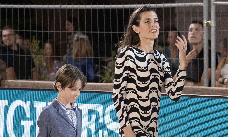 Carlota Casiraghi vuelve con su hijo Raphaël al lugar en el que anunció (a su manera) que estaba embarazada