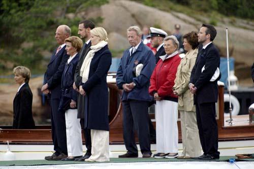 La Familia Real noruega conmemora el centenario del nacimiento del rey Olav
