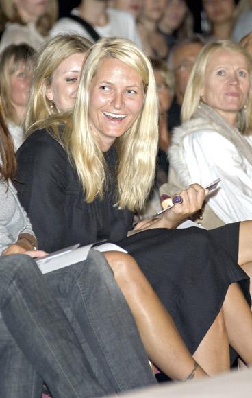 La princesa Mette-Marit inicia un nuevo curso en la Escuela de Negocios de Oslo