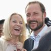 Haakon y Mette-Marit de Noruega, dos turistas en Ghana