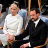 Las muestras de cariño de Haakon y Mette-Marit de Noruega durante la entrega del Premio Nobel de la Paz