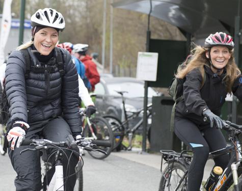 Mette-Marit de Noruega, al trabajo en bicicleta