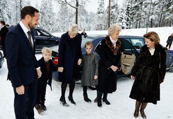Los príncipes Ingrid y Sverre, los grandes protagonistas de la blanca Navidad de la Familia Real noruega