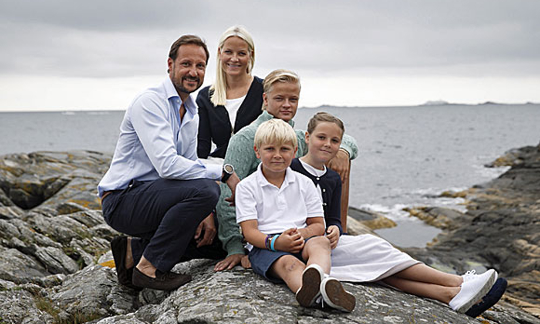 Las nuevas y divertidas fotografías oficiales de la Familia Real noruega por el aniversario del príncipe Haakon