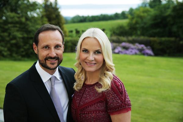 Haakon y Mette-Marit de Noruega: 'Somos personas normales y vulnerables'