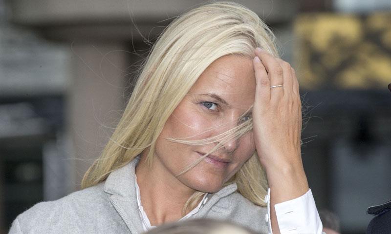 La Casa Real noruega confirma que Mette Marit padece el 'Síndrome de los cristales'