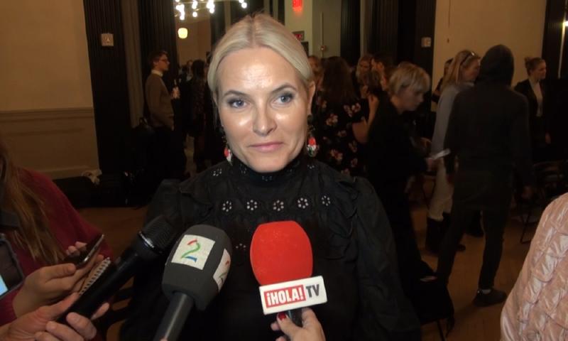 Mette-Marit de Noruega cuenta a ¡HOLA! TV cómo enseña a sus hijos los valores más importantes