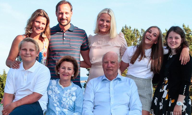 Las ausencias que han marcado el retrato de cumpleaños de Haakon de Noruega